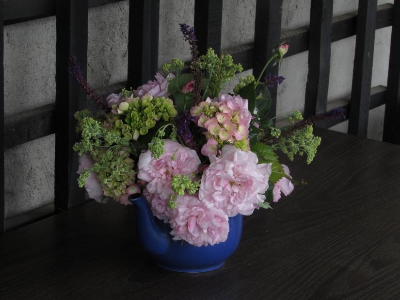 Vase on Monday. 15 June 076